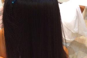 毛先まで矯正してもピンピンの真っ直ぐにならないflowerの縮毛矯正