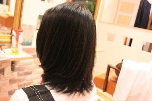 毛先がクルンとしちゃう細い髪のクセ毛ちゃんにも自然な内巻き縮毛矯正