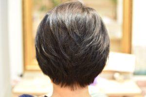 軟毛でペタッとしちゃってボリューム出したい世代はハナヘナダブルでハリコシカラー