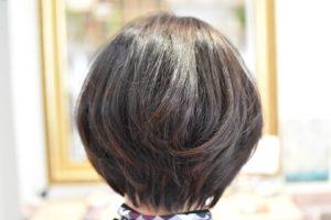 季節が変わればヘアースタイルも!重めスタイルから軽めのレイヤー春スタイル