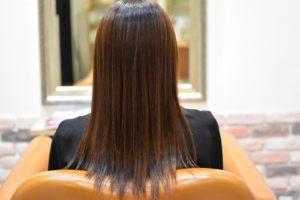 デジパーのチリチリをなんとかしたい!縮毛矯正でまっすぐな艶髪に